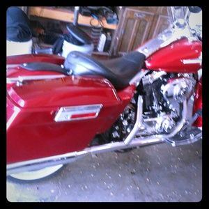 2002 screaming eagle Harley Davidson Road King.